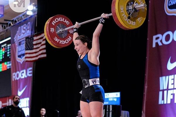 Abby Raymond weightlifting