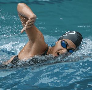 Shikha Tandon swimming