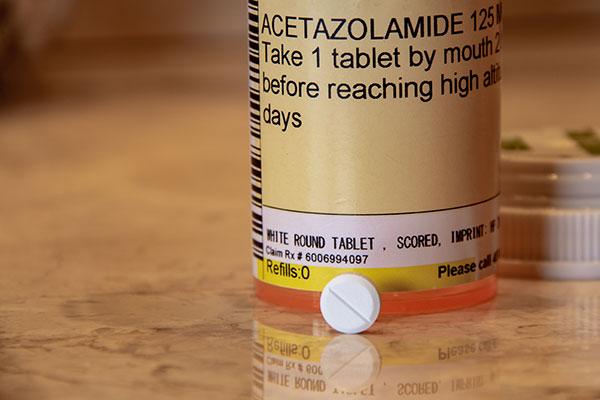 acetazolamide bottle and white pill