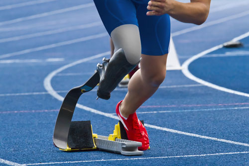 track and field runner with prosthetic leg