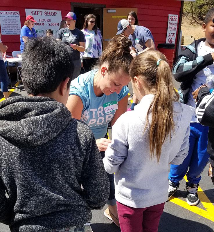 Tammy Hanson volunteering with children